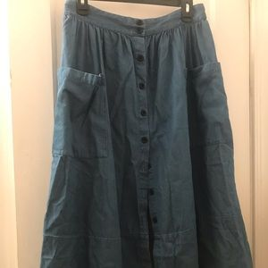 Long button down denim skirt with pockets!